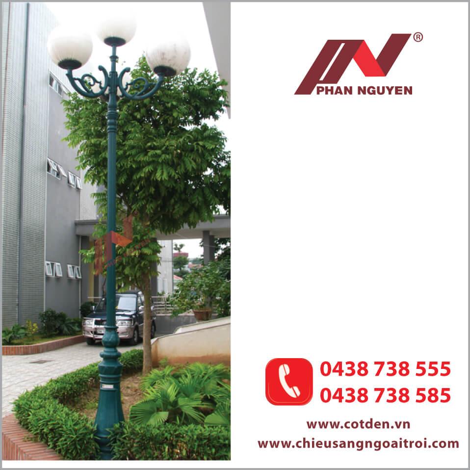 cột đèn sân vườn DC06 đế gang thân nhôm đúc tay chùm CH08
