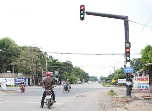 Cột đèn giao thông sản xuất tại Phan Nguyễn chất lượng - giá tốt