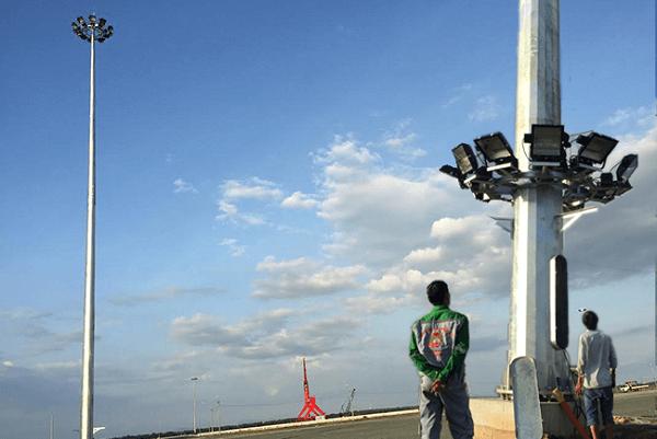 Việc bảo dưỡng, sửa chữa cột đèn giàn nâng hạ vô cùng thuận lợi và an toàn