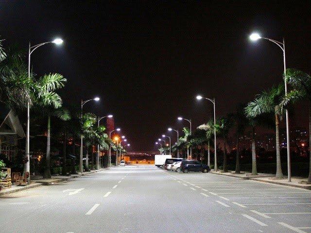 Cột thép chiếu sáng loại PN11 mang ánh sáng đến mọi nẻo đường
