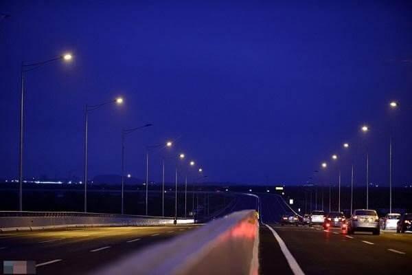 Đèn cao áp hiện đại đáp ứng mọi nhu cầu của con người