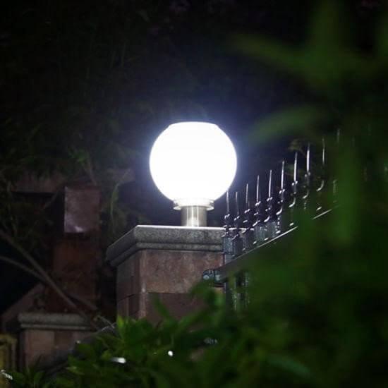 Một vị trí đặt đèn cầu sân vườn