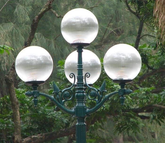 Lắp đặt cột đèn chiếu sáng