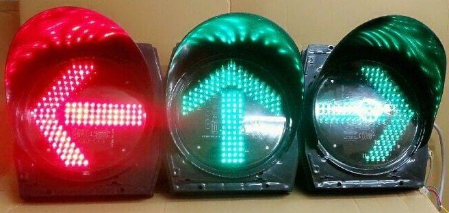 Đèn phụ tín hiệu giao thông mũi tên màu xanh