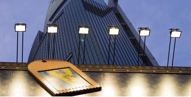Đèn pha 100W PN01 mang lại ánh sáng thân thiện với môi trường cũng như người sử dụng