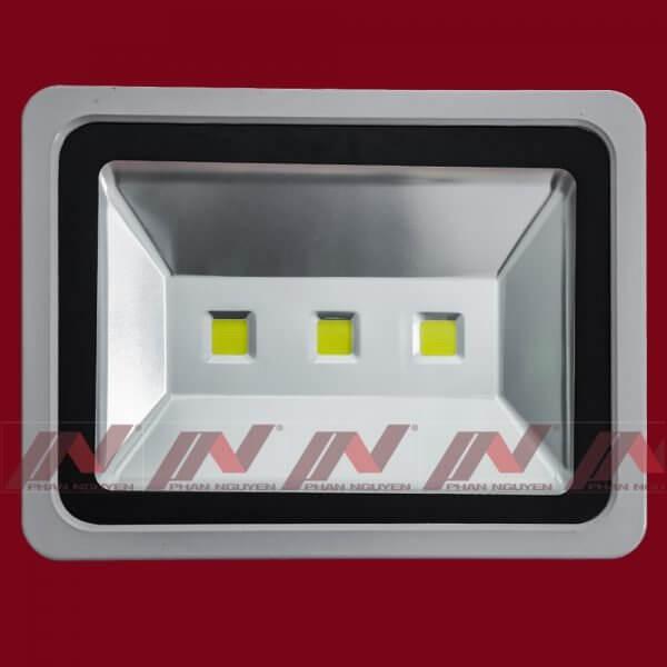 Đèn Pha 150W PN02