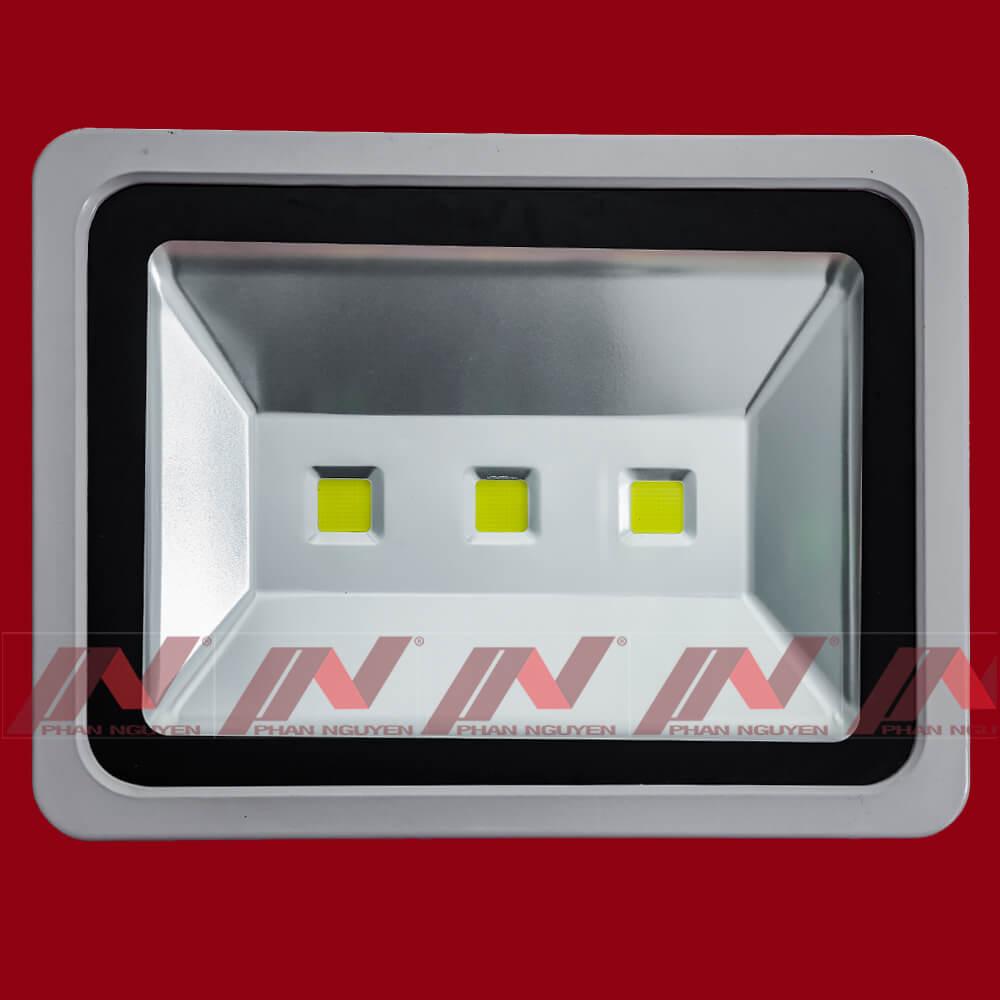 den-pha-led-150w-pn02-9