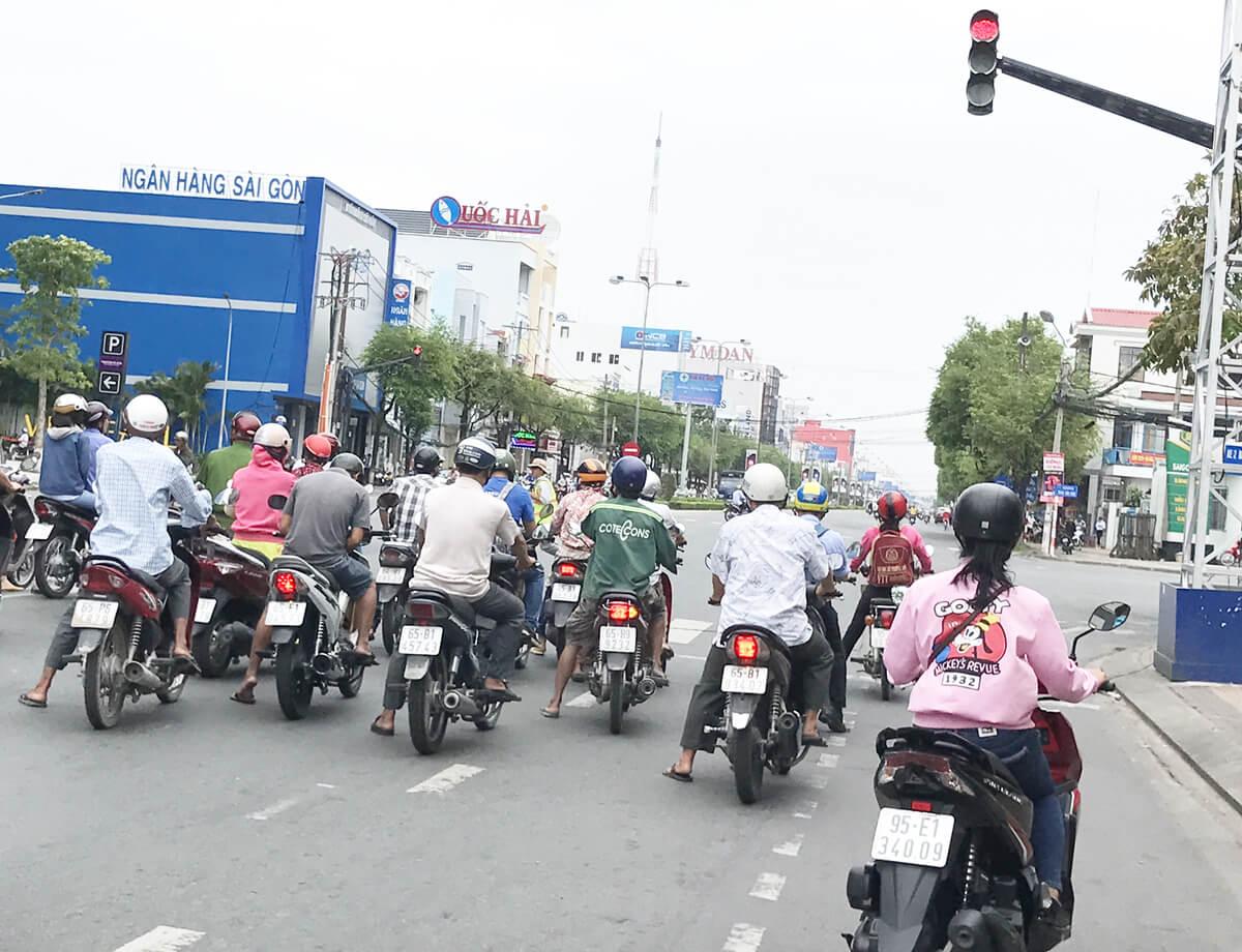 Đèn điều khiển giao thông giúp giảm ùn tắc - tai nạn giao thông