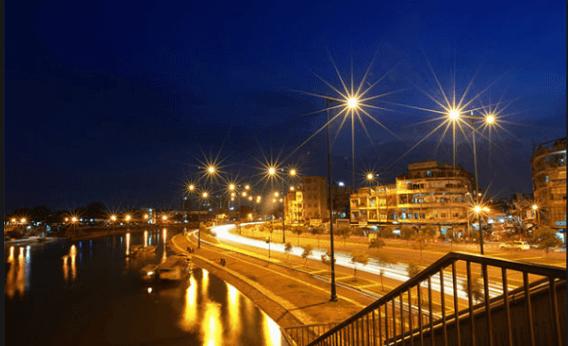 Cần đèn cao áp khiến các công trình mang tính thẩm mỹ cao hơn