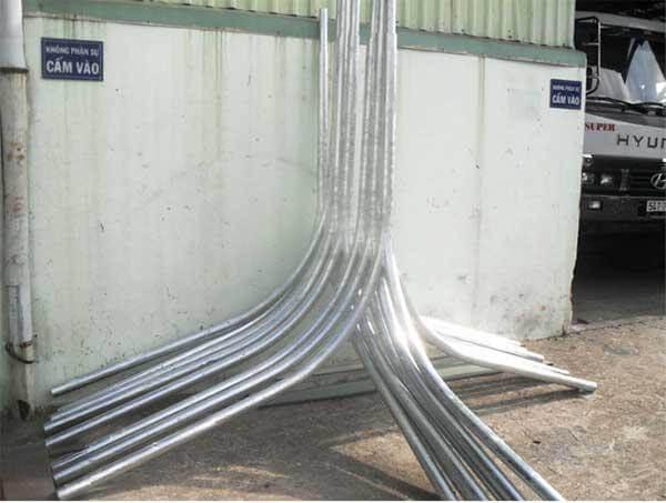 Các mẫu cần đèn cao áp Phan Nguyễn sản xuất đều được mạ kẽm nóng chống gỉ