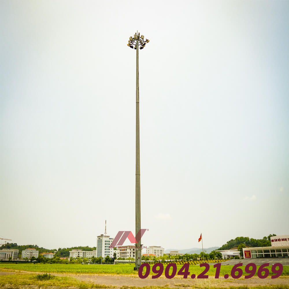 cột đèn đa giác 17m bắt lọng tròn đèn pha