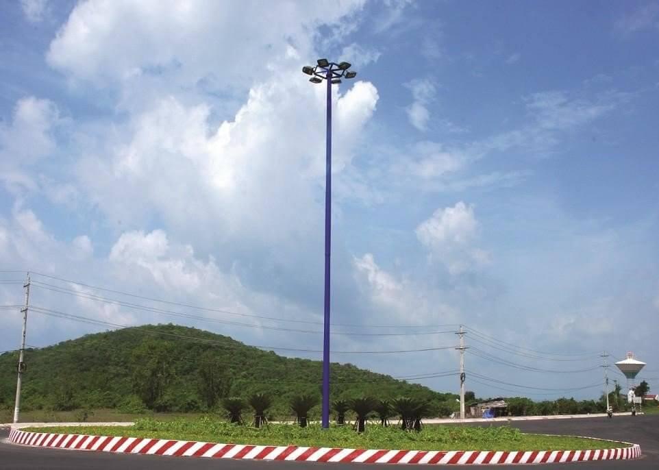 Cột đèn nâng hạ được sử dụng nhiều trong chiếu sáng công cộng