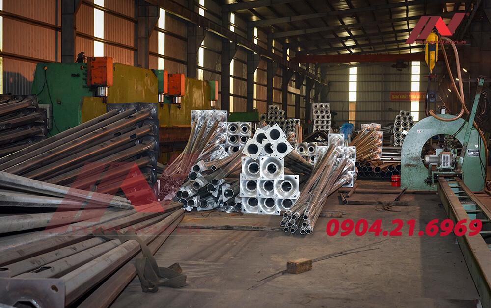 Cột đèn cao áp Phan Nguyễn sản xuất đạt tiêu chuẩn chất lượng