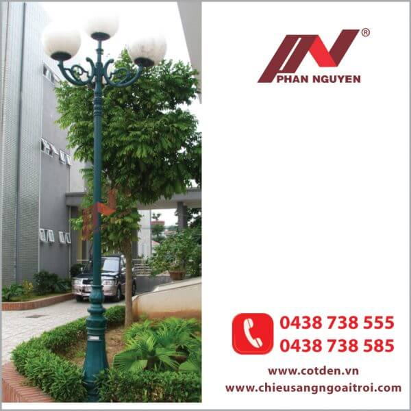 Cột đèn sân vườn DC06 đế gang, thân nhôm định hình cao 2,6m