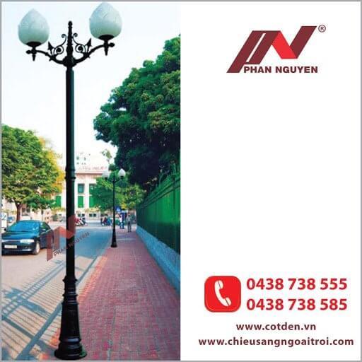 Cột đèn sân vườn PINE đế gang thân nhôm định hình cao 3.7m