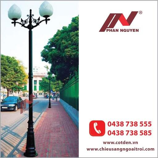 Cột đèn sân vườn PINE đế gang, thân nhôm định hình cao 3,2m