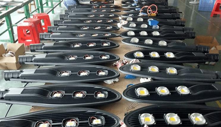 Đèn đường led có khả năng hỗ trợ tiết kiệm điện lên tới 80%