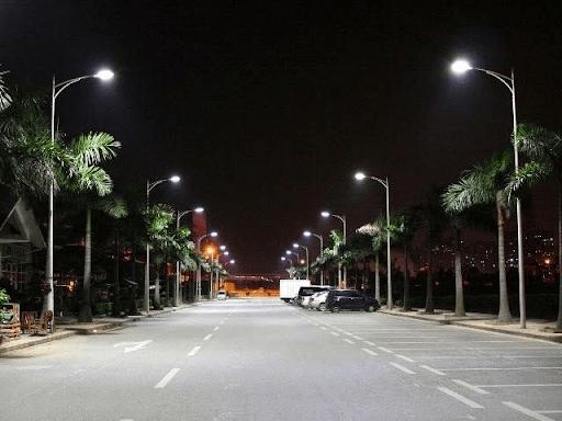Cột đèn cao áp ứng dụng trong nhiều công trình chiếu sáng