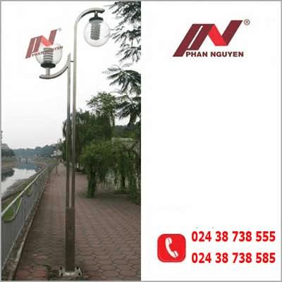 Cột đèn sân vườn 10s của Phan Nguyễn