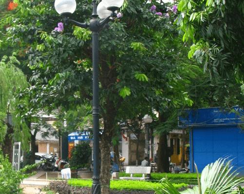 Cột đèn sân vườn Banian DC07 lắp bóng sodium 70W