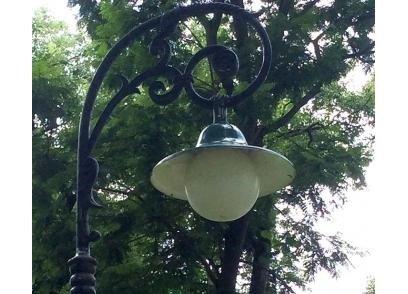 Cột đèn sân vườn Banian DC07 lắp đèn Jupiter, lắp đèn nón, lắp đèn cầu