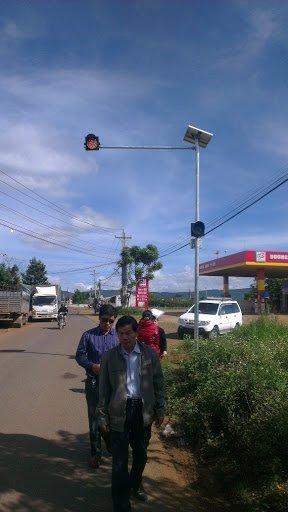 Hầu hết các tuyến đường đều được lắp đặt hệ thống tín hiệu đèn vàng.