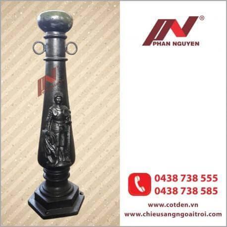Cột đèn sân vườn đế La Mã