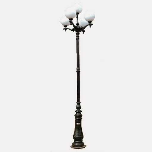 Cột đèn sân vườn DC06 đế gang thân nhôm lắp tay chùm CH02 – 5 bóng