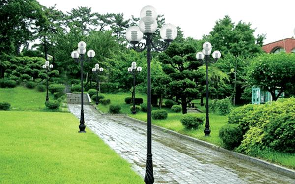 Các loại đèn như đèn cầu, đèn Jupiter, đèn Tulip… đều lắp được trên cột