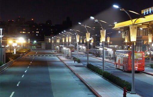 Công suất lớn giúp người tham gia giao thông dễ dàng di chuyển và quan sát xung quanh