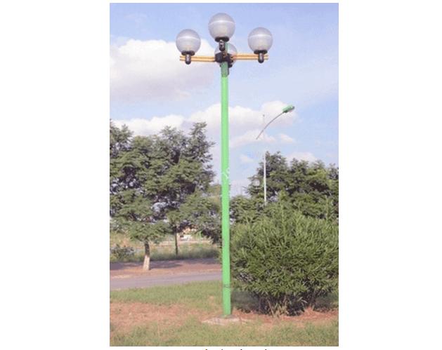 Cột đèn Arlequin lắp tay chùm 4 bóng có độ thẩm mỹ cao, đơn giản nhưng tinh tế