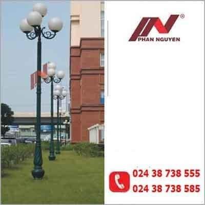Cột đèn sân vườn Banian DC07 đế gang thân nhôm lắp tay chùm CH02 – 3 bóng