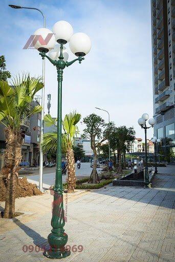 Cột đèn sân vườn Banian có kiểu dáng đẹp, phù hợp nhiều không gian khác nhau