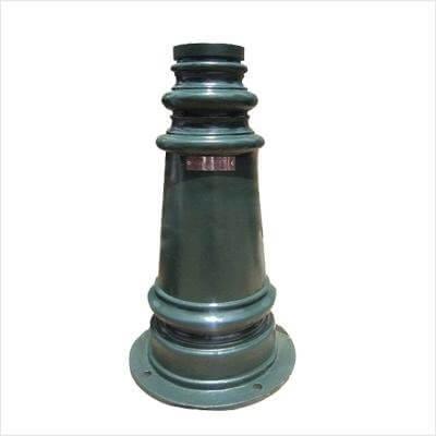 Đế của cột đèn sân vườn PINE làm bằng gang