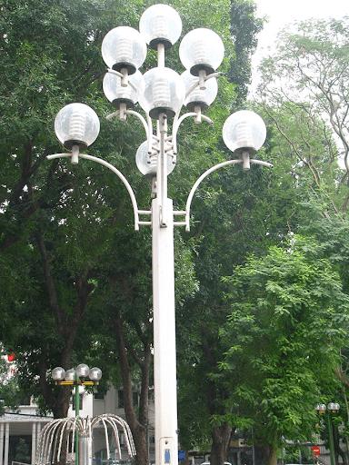 Cột đèn sân vườn DC20 làm bằng thép