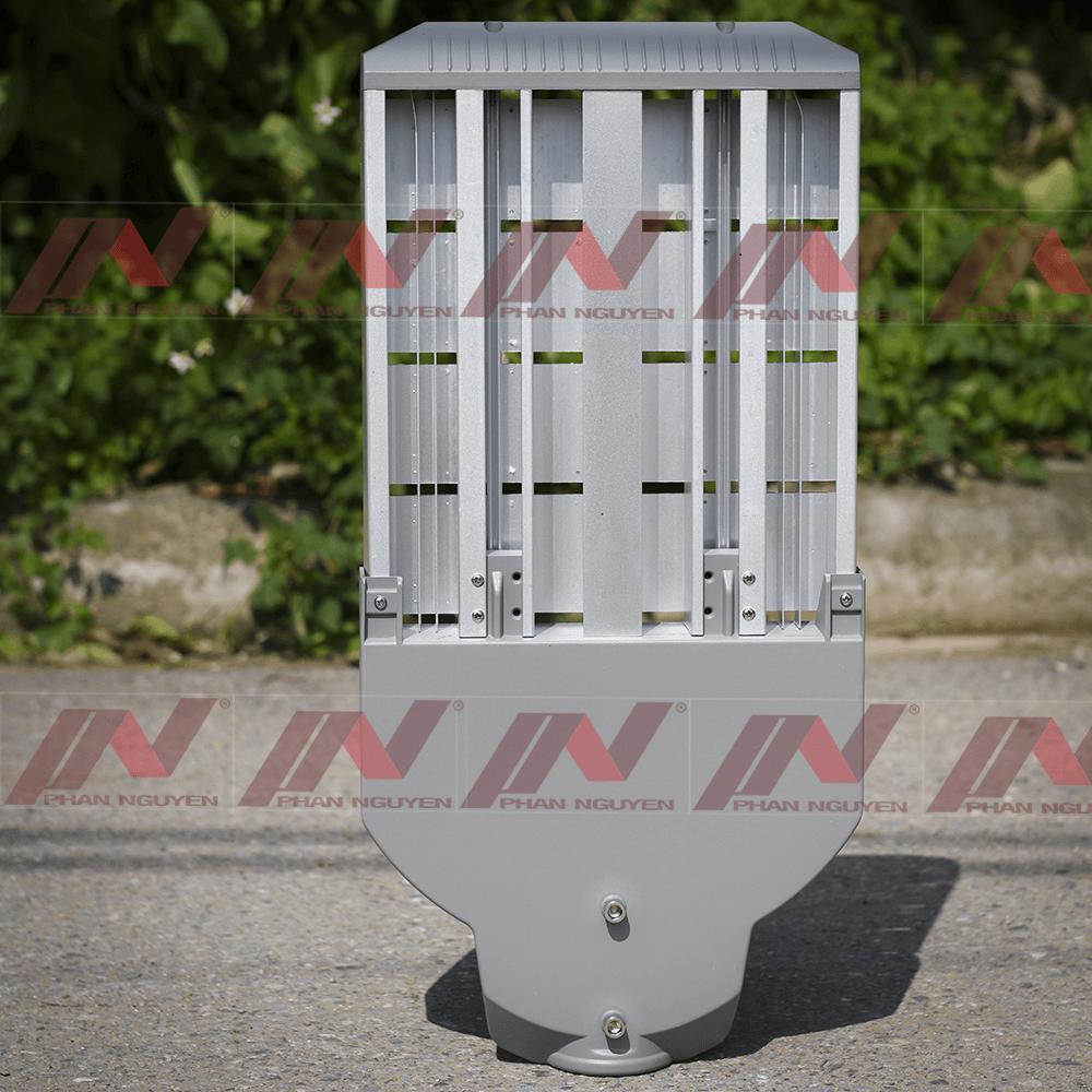 Đèn đường LED 50W - PNL06 là sản phẩm sở hữu nhiều ưu điểm nổi bật