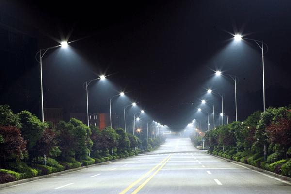 Đèn đường led cao cấp 50W - PNL12 được trang bị hệ thống chống sét hiện đại