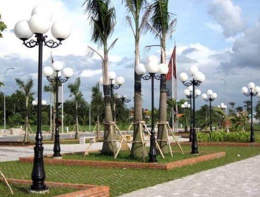 Cột sân vườn giúp cảnh quan sân vườn thêm sang trọng, hiện đại