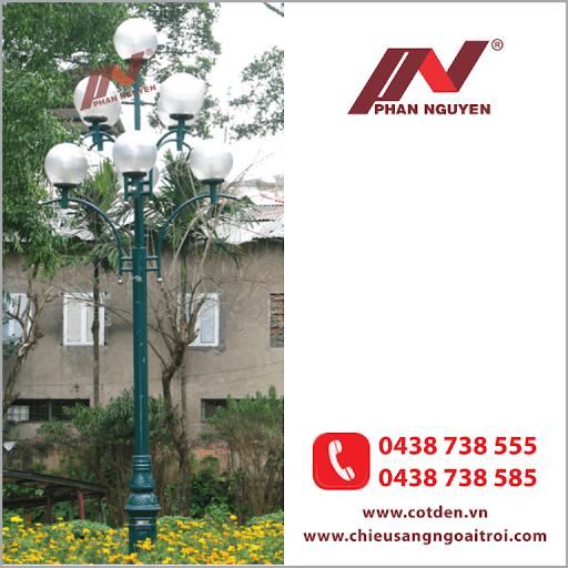 Cột đèn sân vườn DC20 làm bằng thép lắp 7 bóng