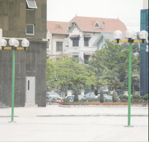 Sản phẩm cột đèn Arlequin lắp tay chùm 4 bóng phổ biến trong các công trình hiện nay