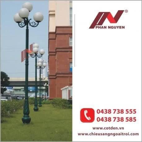 Cột đèn sân vườn Banian DC 07 đế gang thân nhôm lắp tay chùm CH11 – 3 bóng