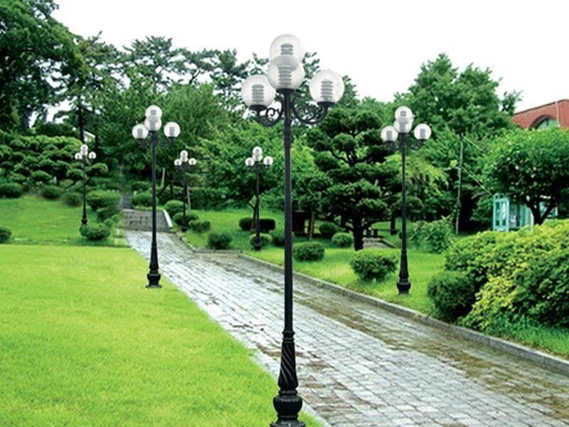 Thân cột đèn sân vườn Banian sơn màu xanh sẫm