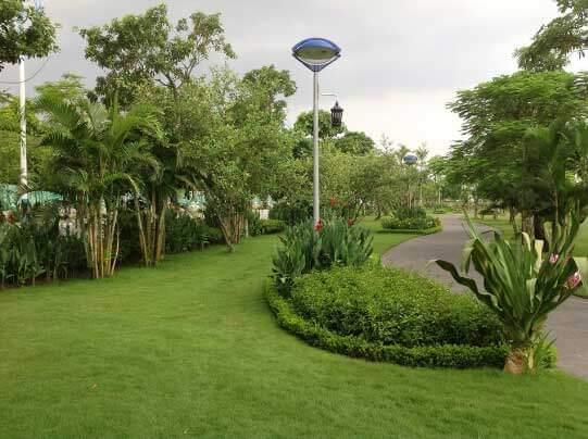 Sản phẩm cột trang trí sân vườn Arleqiun lắp đèn con mắt được sử dụng rộng rãi