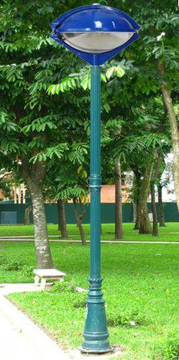 Cột đèn sân vườn PINE đế gang thân nhôm lắp tay chùm CH07 - 4 bóng