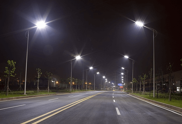 Ánh sáng của đèn rất rõ nét nhưng không gây chói mắt cho người quan sát.
