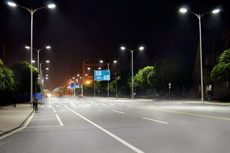 Đèn Led PNL15 - 200W thích hợp với các công trình lớn, đòi hỏi yêu cầu chiếu sáng cao