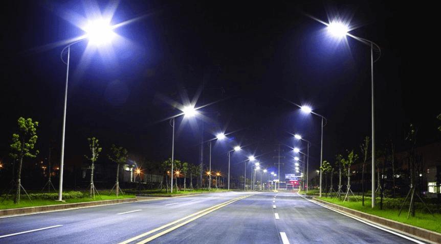 Đèn đường LED đa dạng mẫu mã, thiết kế giúp tiết kiệm điện năng