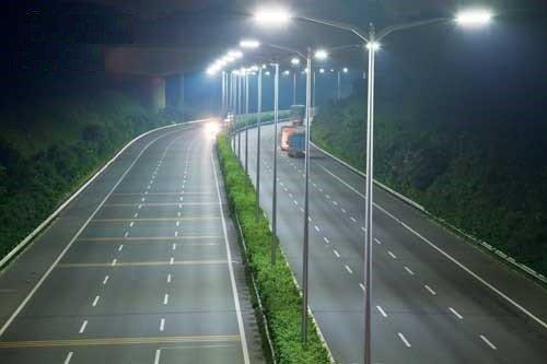 Đèn đường này có tính ứng dụng rất cao ở các công trình lớn ngày nay