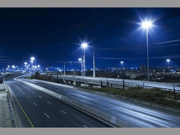Hiệu suất phát sáng của đèn gấp 10 lần các loại đèn truyền thống khác cùng công suất.