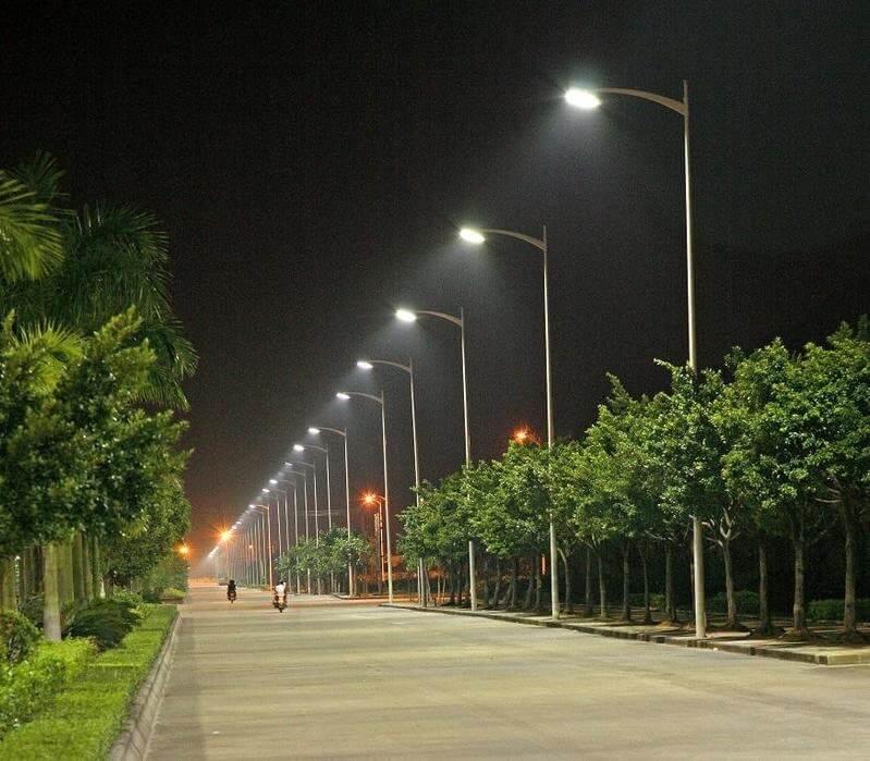 Loại đèn này rất thích hợp lắp đặt ở các công trình đường sá, công viên